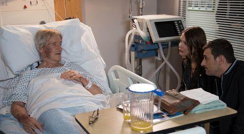 Ken Barlow receives visitors in hospital in Coronation Street