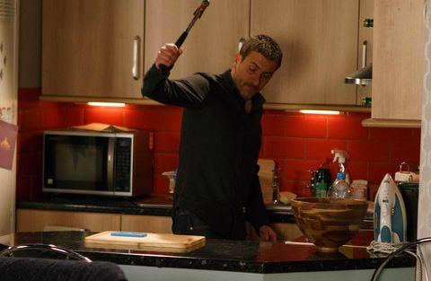 Peter Barlow destroys Simon's phone in Coronation Street