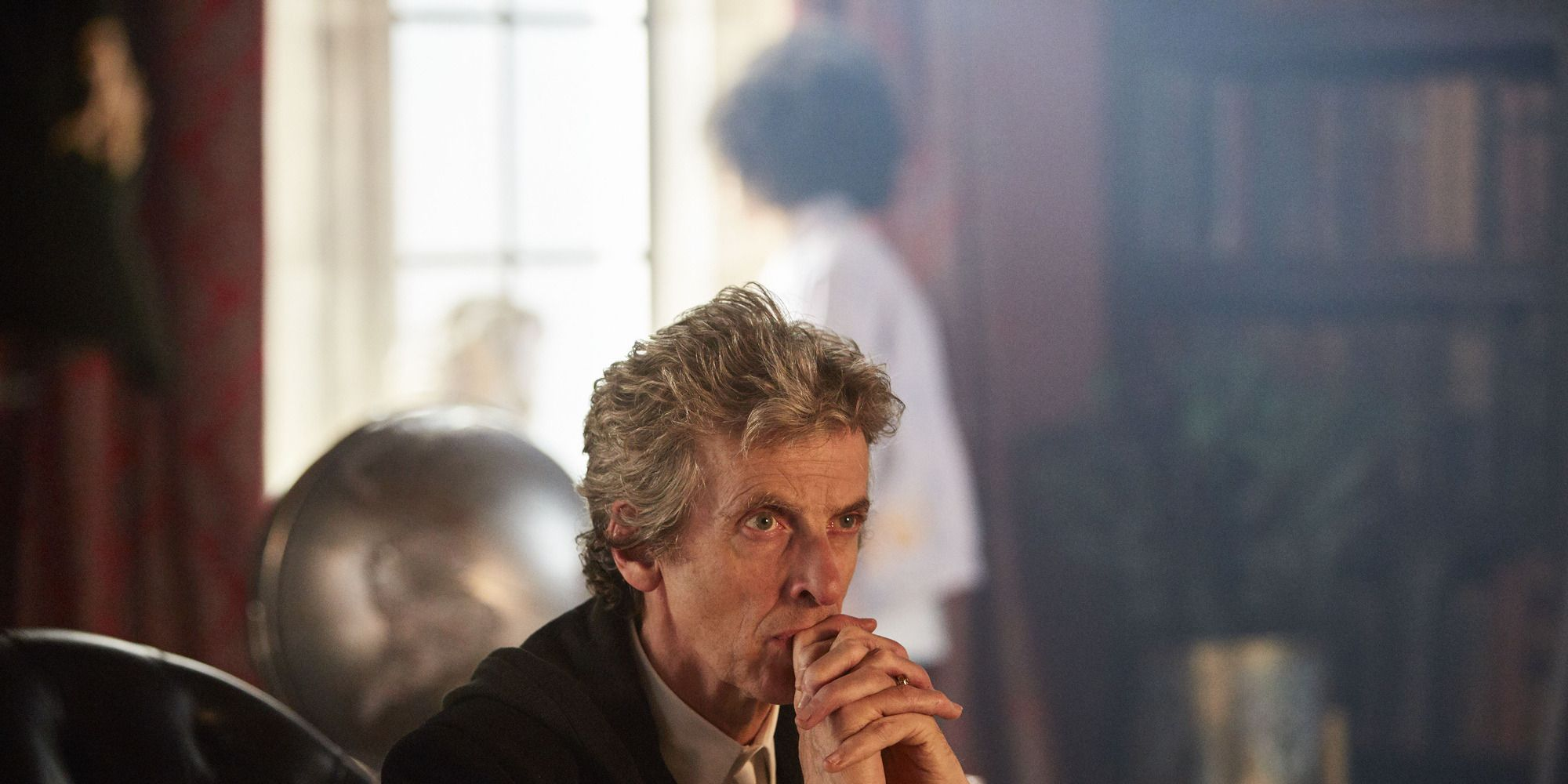 Peter Capaldi in 'Doctor Who' s10e01, 'The Pilot'
