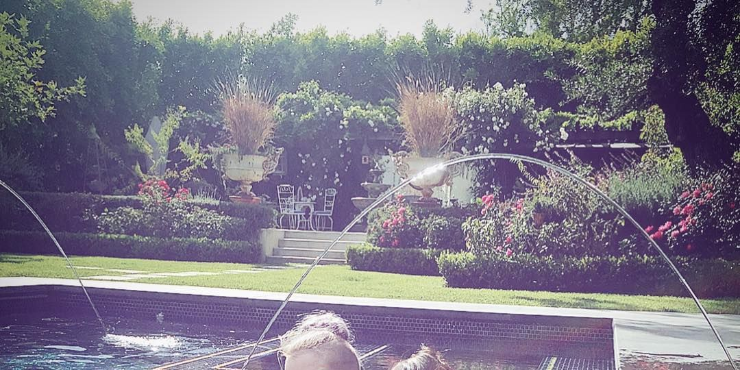 Kelly Osbourne and Lisa Osbourne Instagram picture fail