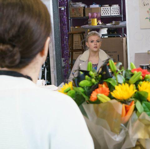 Bethany Platt confides in Mary Taylor in Coronation Street