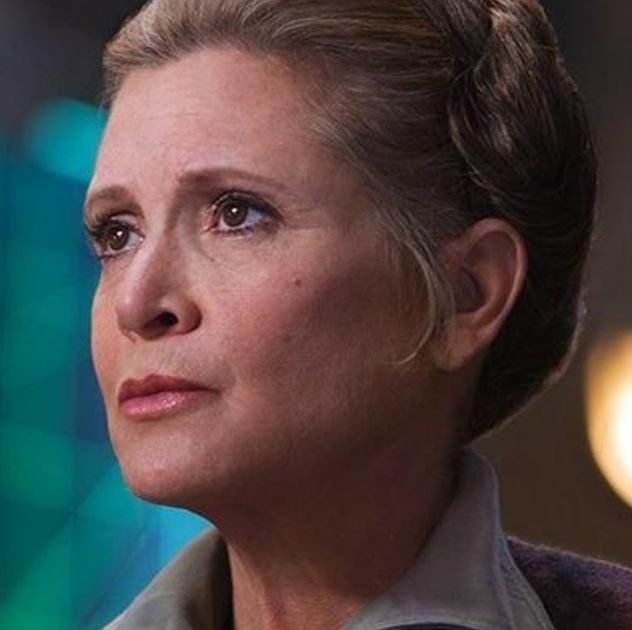 """Star Wars' Oscar Isaac says it's """"right"""" Carrie Fisher's character doesn't """"fade away"""" in Episode 9"""