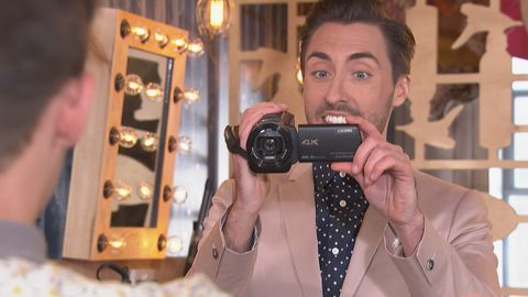 Scott Drinkwell records a video message of Jesse in Hollyoaks