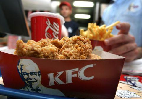 DCMedical Ghea; vízzel; a csapból; és hígított gyümölcslevek a KFC-nél; és McDonald s