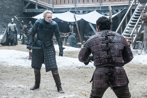 Game of Thrones, S7E1: Brienne of Tarth spars with Podrick