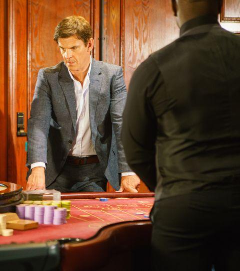 Robert Preston gambles in Coronation Street