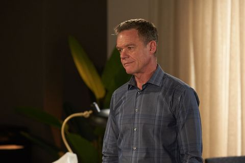 Paul Robinson supports Terese Willis as her hair falls out in Neighbours