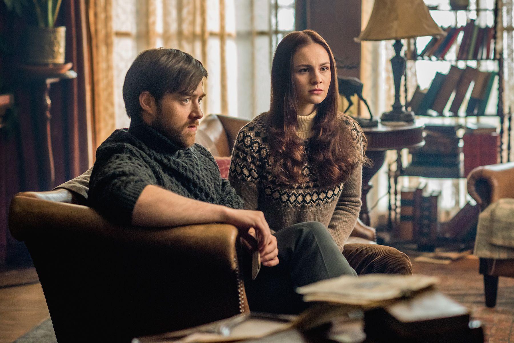 Brianna Roger Outlander Sophie Skelton And Richard Rankin