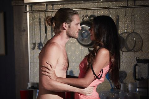 Ash and Kat Chapman are reunited in Home and Away