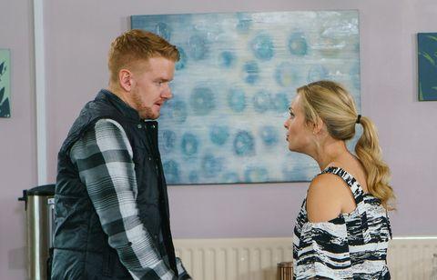 Gary Windass returns and faces Sarah Platt in Coronation Street
