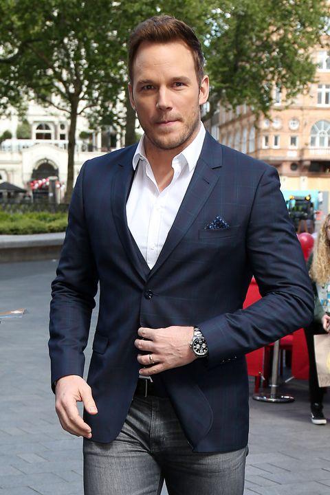 Suit, Clothing, Blazer, Formal wear, Outerwear, Jacket, Street fashion, Tuxedo, Fashion, White-collar worker,