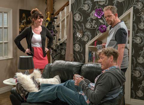 Kerry Wyatt is delighted as Daz and Dan Spencer make peace in Emmerdale