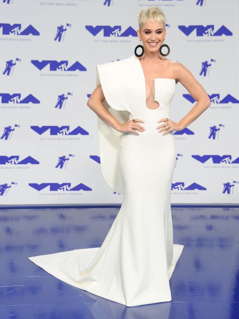 Katy Perry arrives at the 2017 MTV Video Music Awards