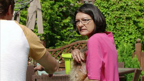 David Platt and Yasmeen Nazir clash over his dog in Coronation Street