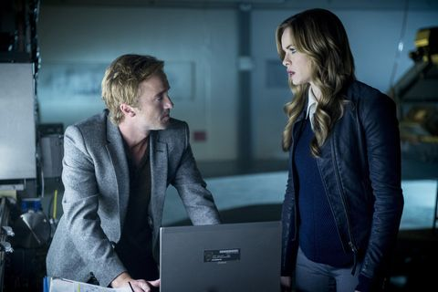 Julian and Caitlin in 'The Flash'