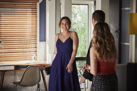Beth Ellis and Mason Morgan meet for a date in Home and Away