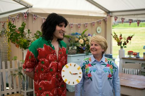 Great British Bake Off's Sandi and Noel doing a time call.