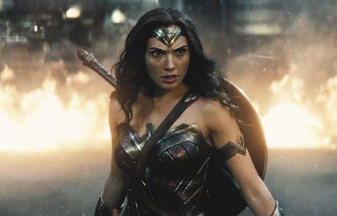 gal gadot wonder woman batman v superman doomsday fight