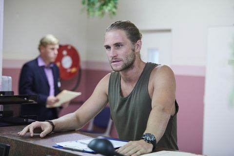 Ash visits Mick Jennings in Home and Away