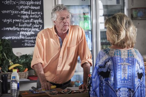 Marilyn Chambers worries after seeing Robbo breaking and entering in Home and Away