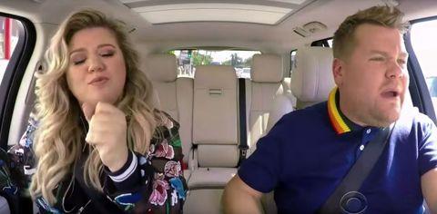 Kelly Clarkson does Carpool Karaoke