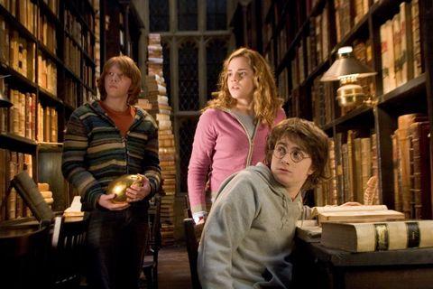 Harry Potter - Hogwarts library