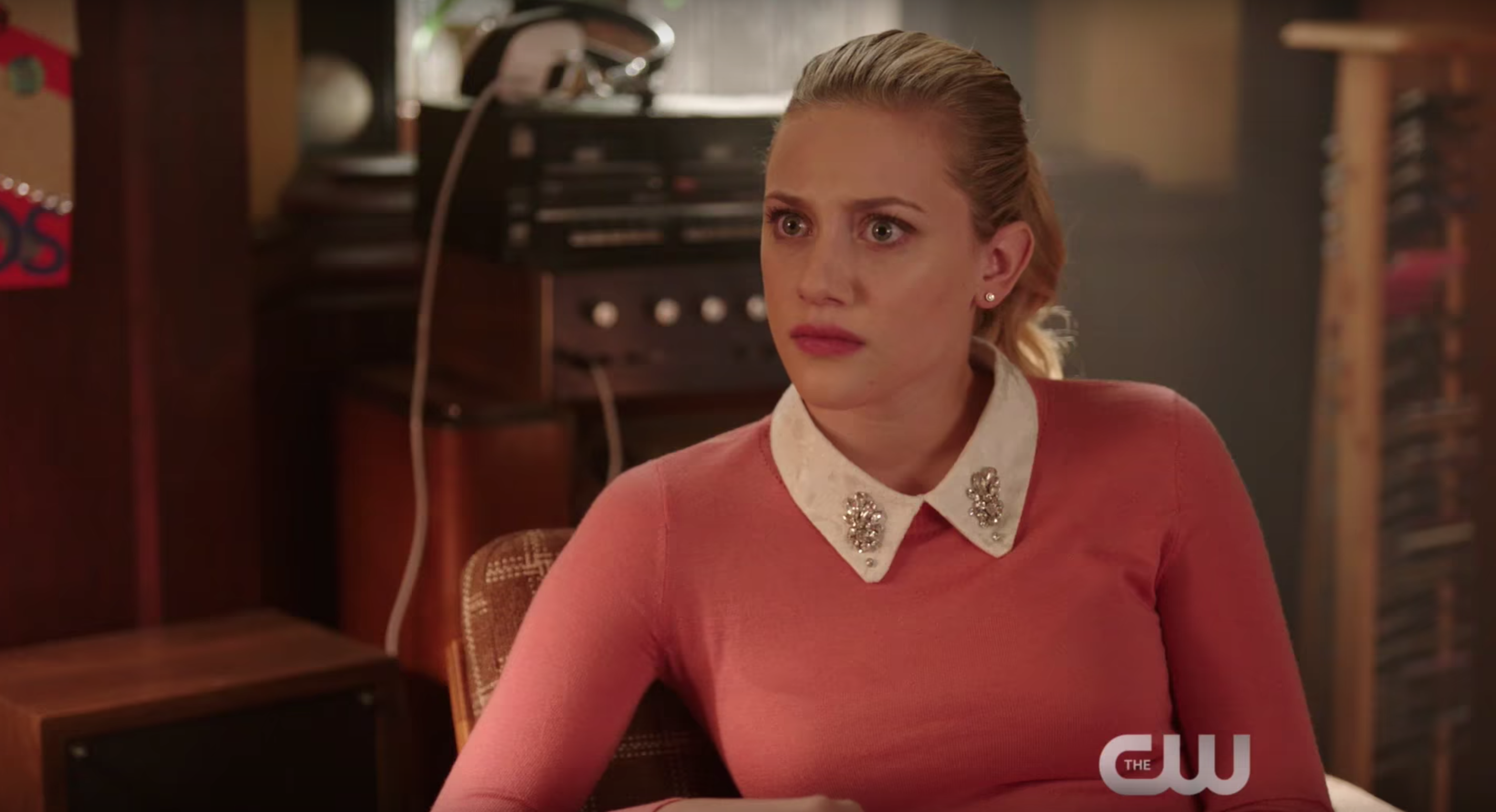 Riverdale Mid Season 2 Premiere Delivers Sibling Shocker For Betty