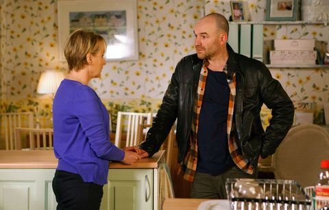 Tim Metcalfe finds Sally in tears in Coronation Street
