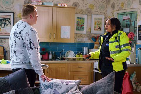 Jess tells Craig Tinker that she'll report Bethany in Coronation Street