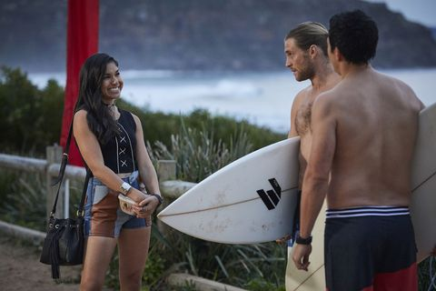 Justin Morgan and Ash run into Willow Harris in Home and Away
