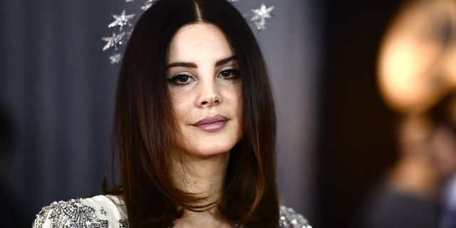 Lana Del Rey Criticised For Wearing Mesh Face Mask To Meet Fans