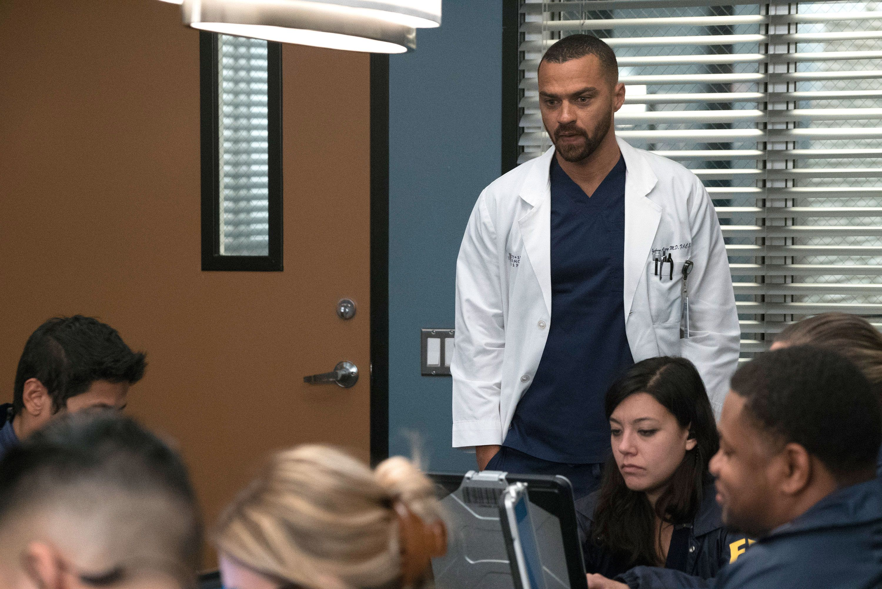 Greys Anatomys Jesse Williams Is Not Happy About Co Stars