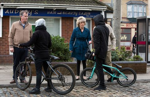 Audrey Roberts is robbed and knocked over in Coronation Street