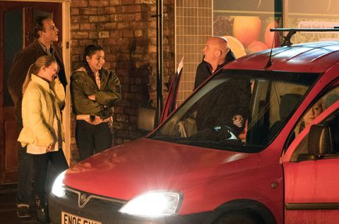 Pat Phelan and Eileen Grimshaw leave to go on holiday in Coronation Street