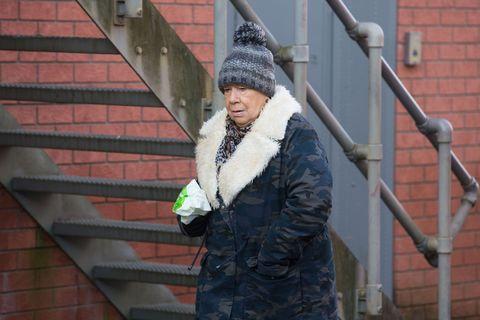 Mo Harris keeps a low profile in EastEnders