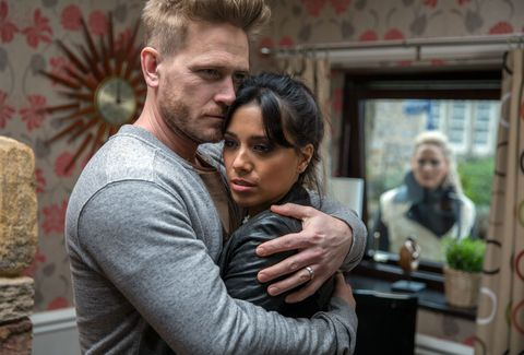 Tracy Metcalfe gets the wrong idea about David Metcalfe and Priya Sharma in Emmerdale