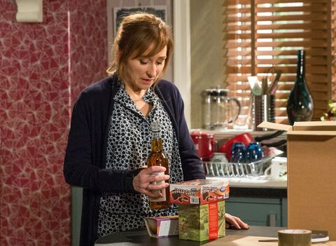 Laurel Thomas is tempted by alcohol in Emmerdale