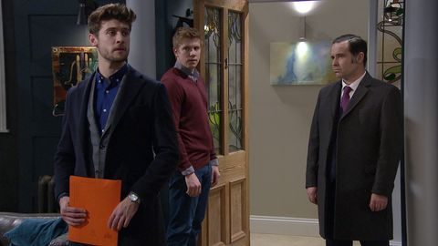 Joe Tate causes problems for Robert Sugden in Emmerdale