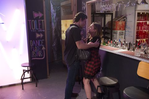 Piper Willis fights off Lockie in Neighbours