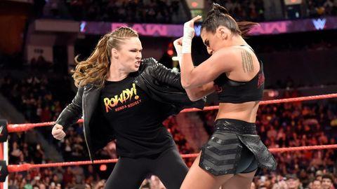 Ronda Rousey vs Sonya Deville on WWE Monday Night Raw
