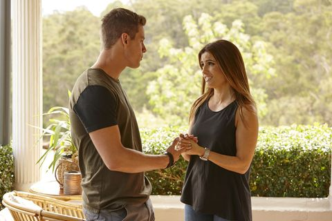 Leah Patterson-Baker talks to Hunter King about Jennifer in Home and Away