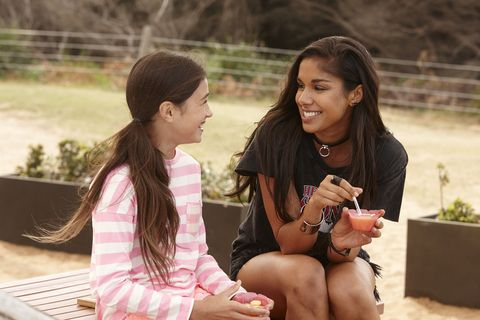 Willow Harris spends time with Ava in Home and Away