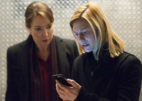 Strange Claire Danes Now Says Homeland Might Not End After Season 8 Home Interior And Landscaping Pimpapssignezvosmurscom