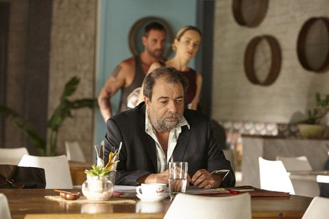 Robbo and Tori Morgan meet with his lawyer Kurt in Home and Away