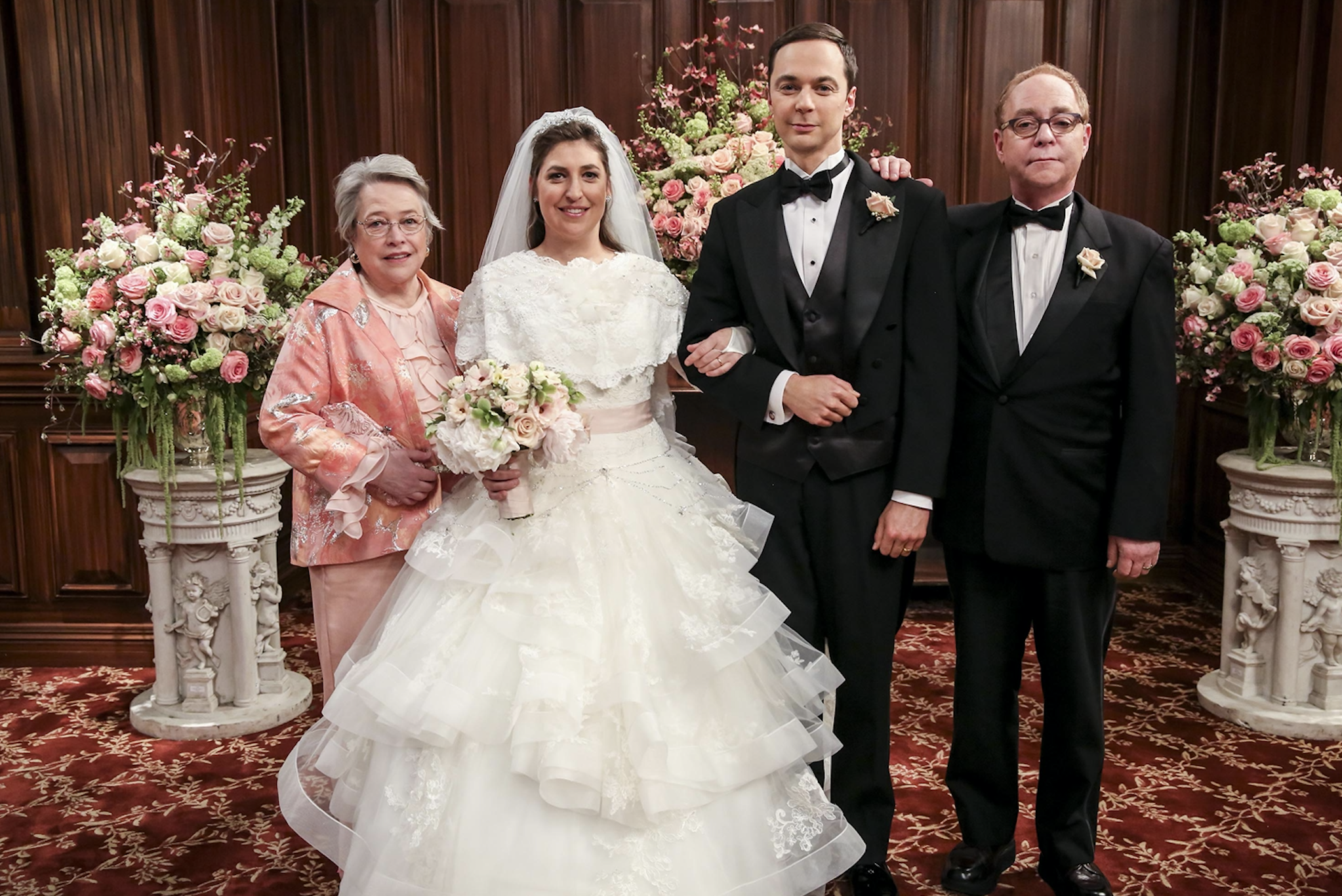 The Big Bang Theory Actress Reveals Why Wedding Scenes Were So Painful To Film,Plus Size White Short Wedding Dress