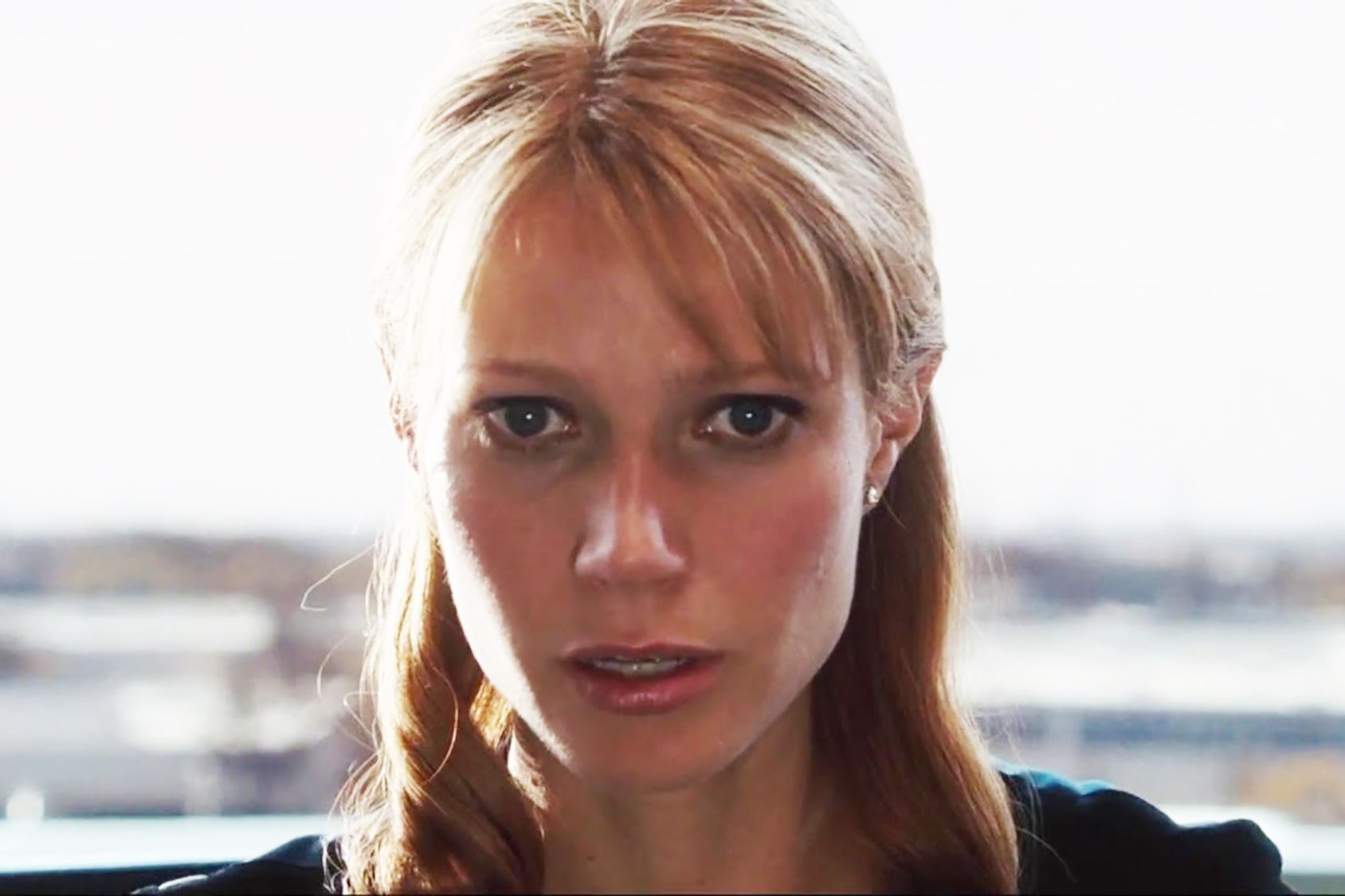 """Total: 27m of 2hrs6m (21.42% of running time)  Pepper Potts appears for 23m155s(scroll down for more)  Christine Everhart appears for 3m 45s  """""""