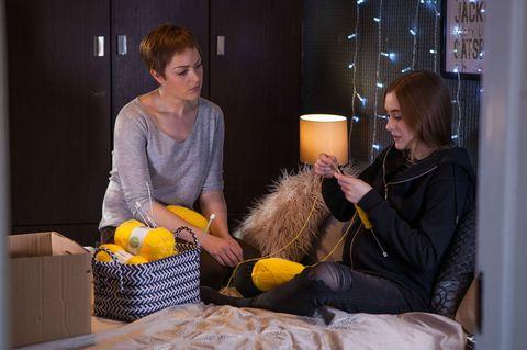 Sienna Blake teaches Nico how to knit in Hollyoaks