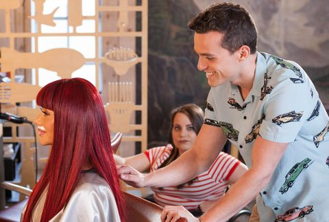 Goldie McQueen tries to con Jesse Donovan in Hollyoaks