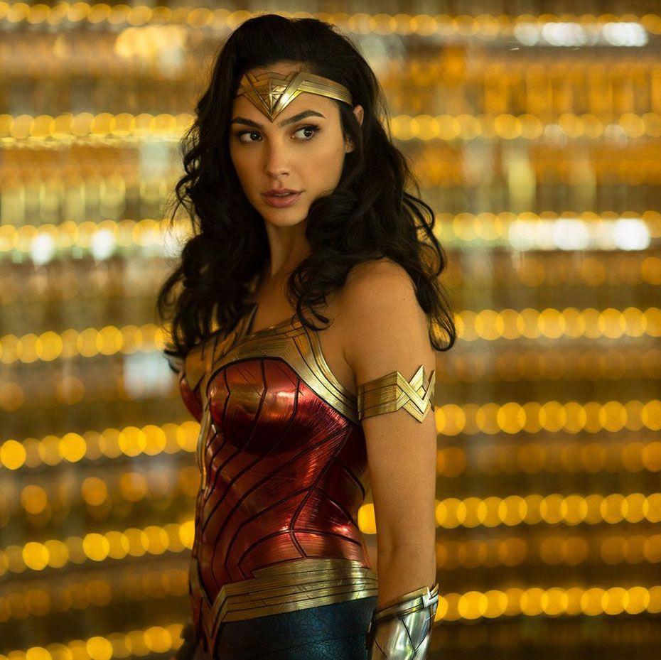 Gal Gadots Wonder Woman  Costume