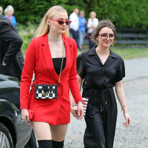 "Sophie Turner would ""make out"" with Maisie Williams on the set of Game of Thrones"